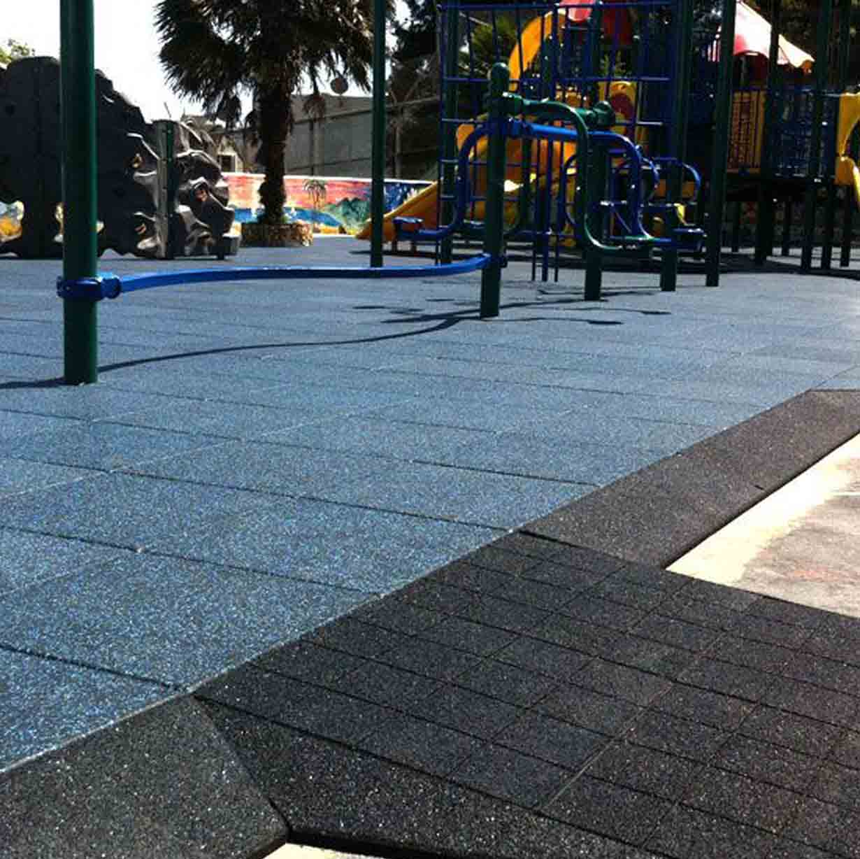 PLAYGROUND SAFETY SURFACE SQUARE TILES